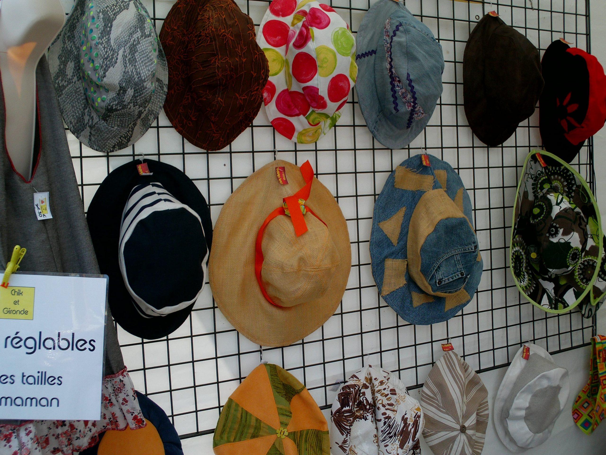 grille chapeaux