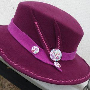 détail chapeau amazone